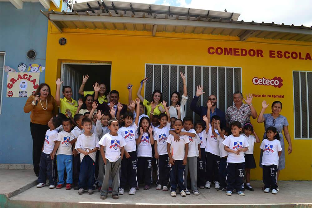 Lacthosa cereales remodela comedor infantil de la escuela for Comedor infantil